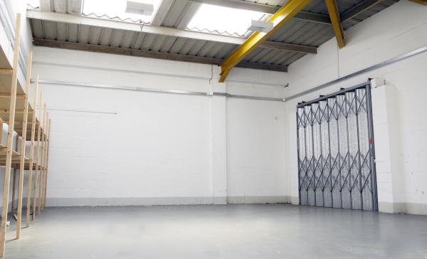 Industrial unit to rent in Milton Keynes